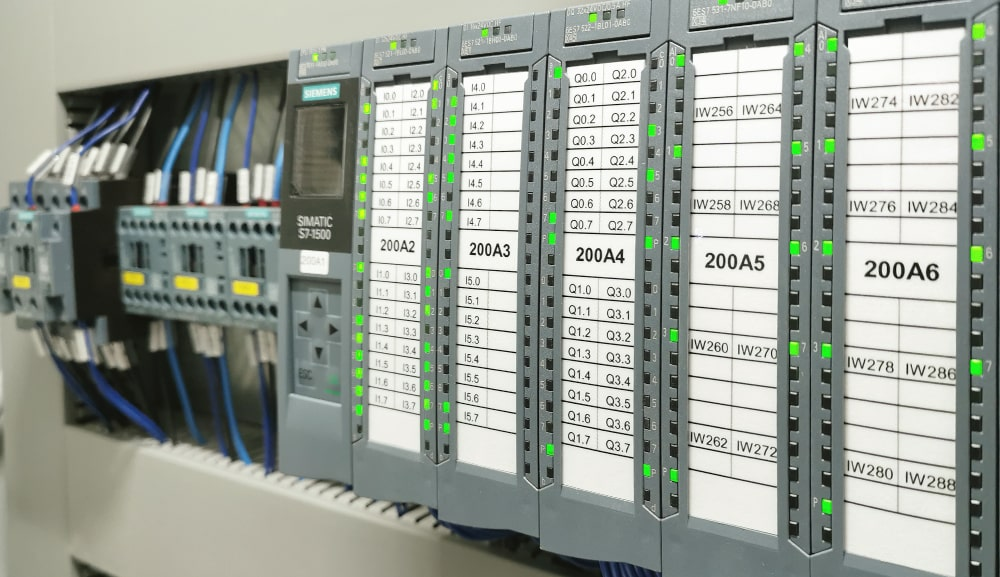 unique and adapted digital control unit